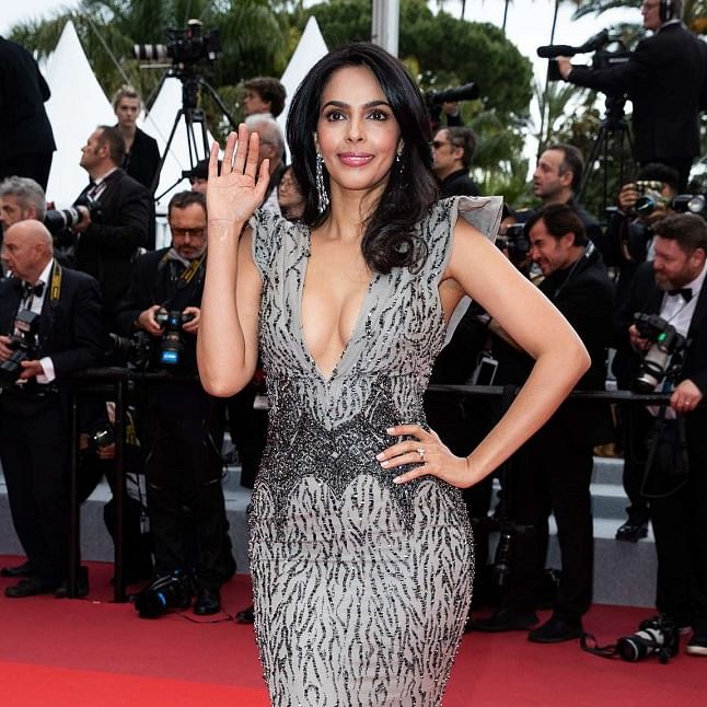 Mallika Sherawat in talks to replace Arbaaz Khan in Vivek Oberoi's film