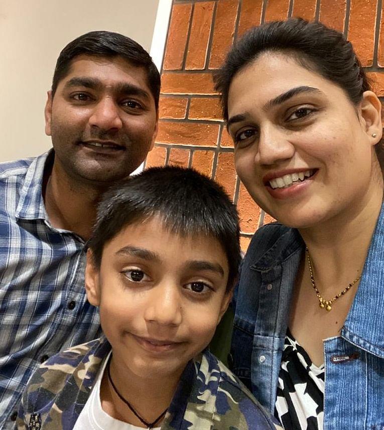 Sumitra Chaudhry woth husband and son, Ansh