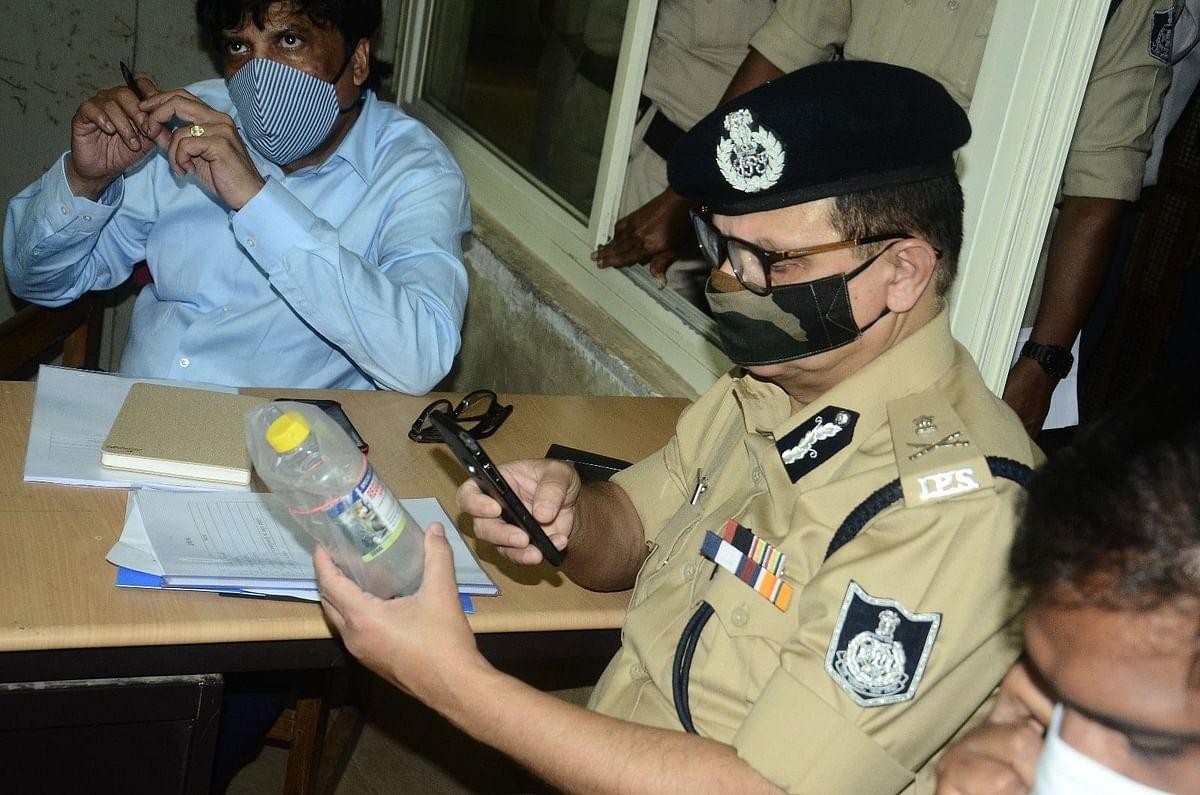 Police investigating hooch tragedy in Ujjain in October, 2020 (File photo)