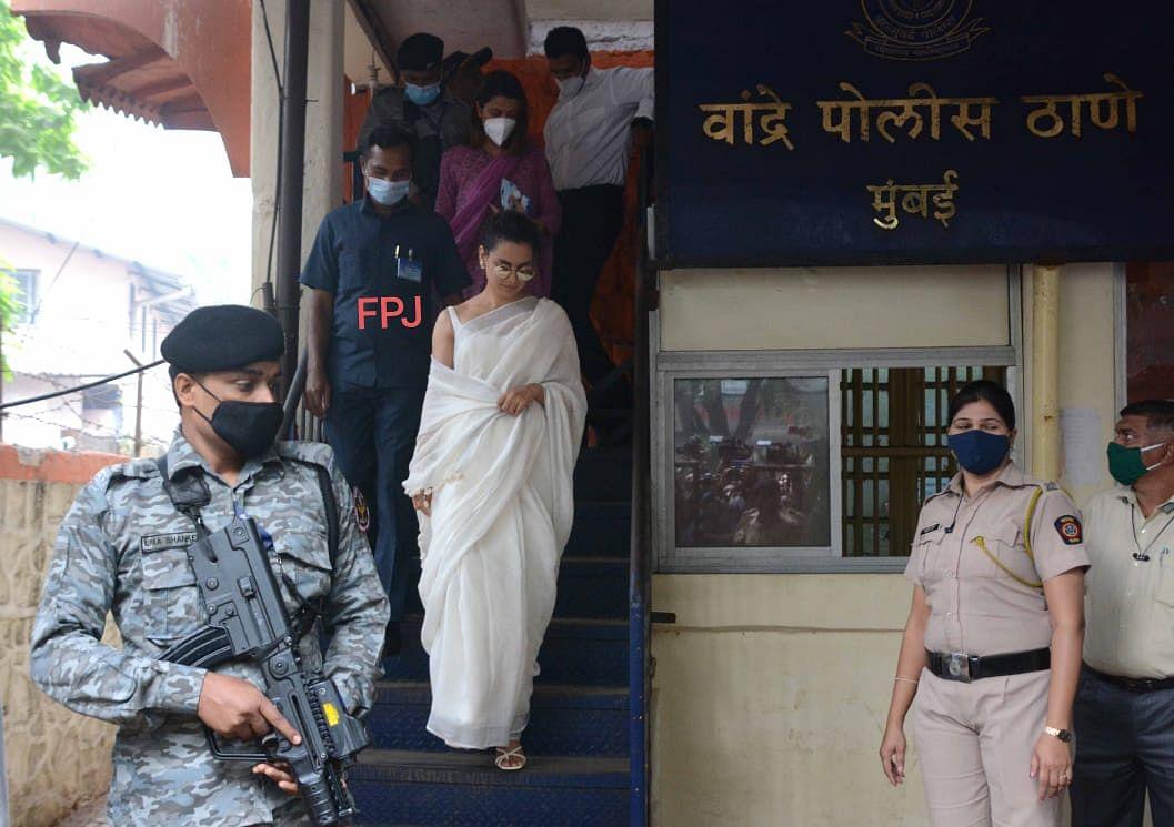 Mumbai: Kangana Ranaut arrives at Bandra Police station to ...