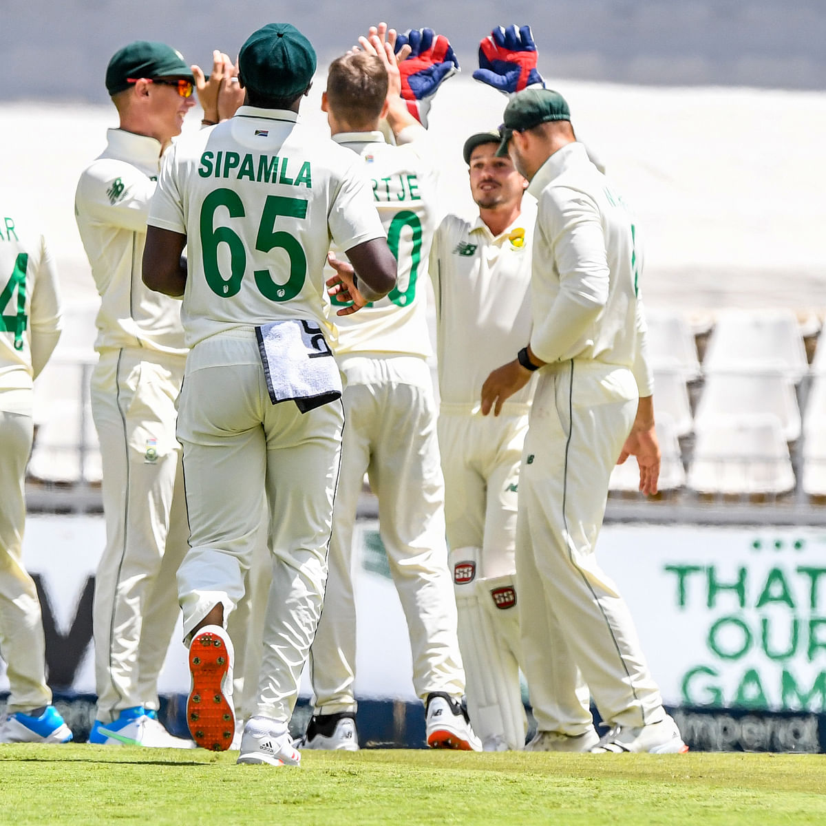 Sri Lanka 157 all out in 2nd test, South Africa 148-1