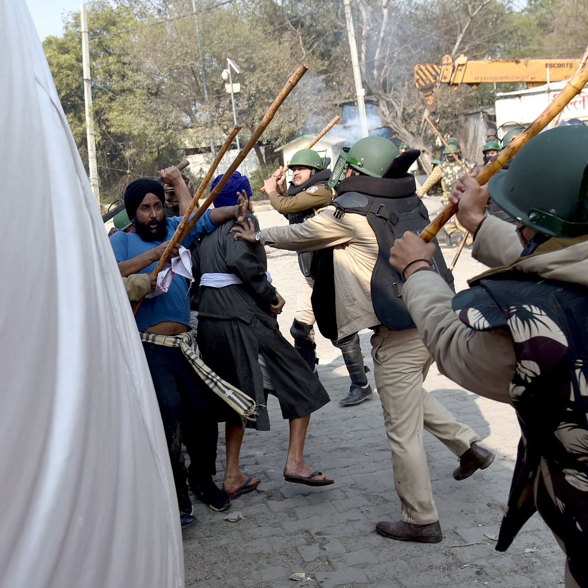 Singhu border clash: Police arrest 44, including man who attacked officer with sword