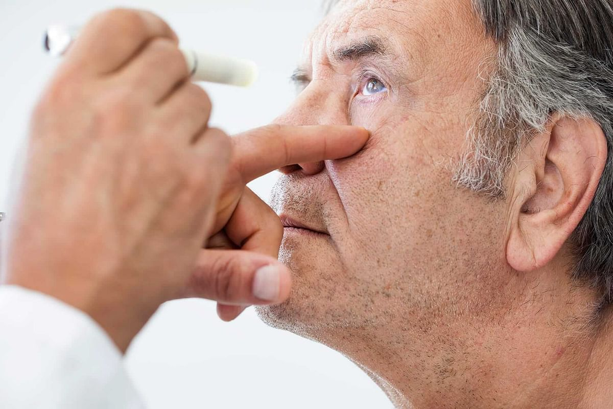 Things to keep in mind before choosing cataract lenses post-surgery