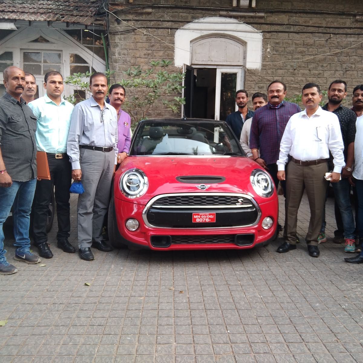 Mumbai: Crime branch busts interstate racket; 2 Audis, 2 Mercedes, Mini Coopers, MG Hector seized from gang of seven
