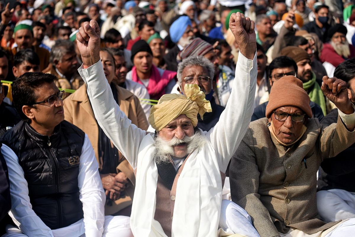 Farmers turn a deaf ear to PM Modi's 'I'm just a call away...'