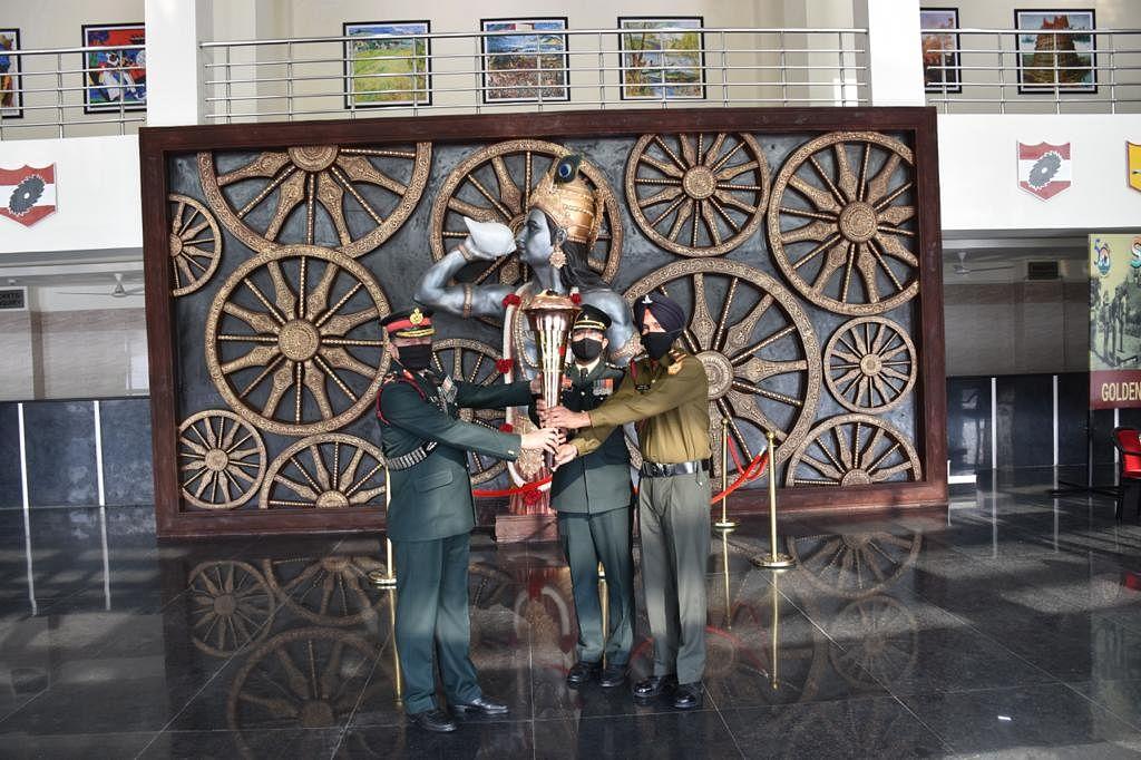 Bhopal: Sudarshan Chakra Corps bids farewell to 'Swarnim Vijay Mashaal'