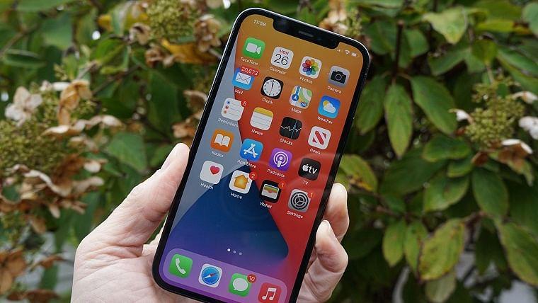 Apple iPhone 13 may use Samsung OLED displays