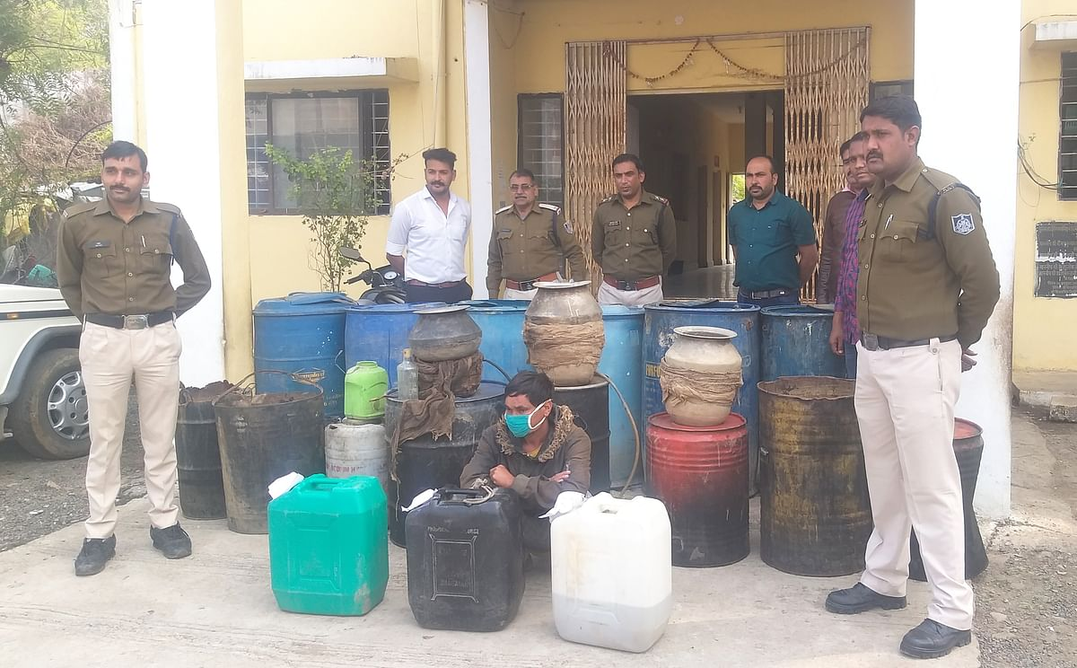 Madhya Pradesh: 95 litres of illicit liquor seized in Pipalrawan in Dewas district, one arrested