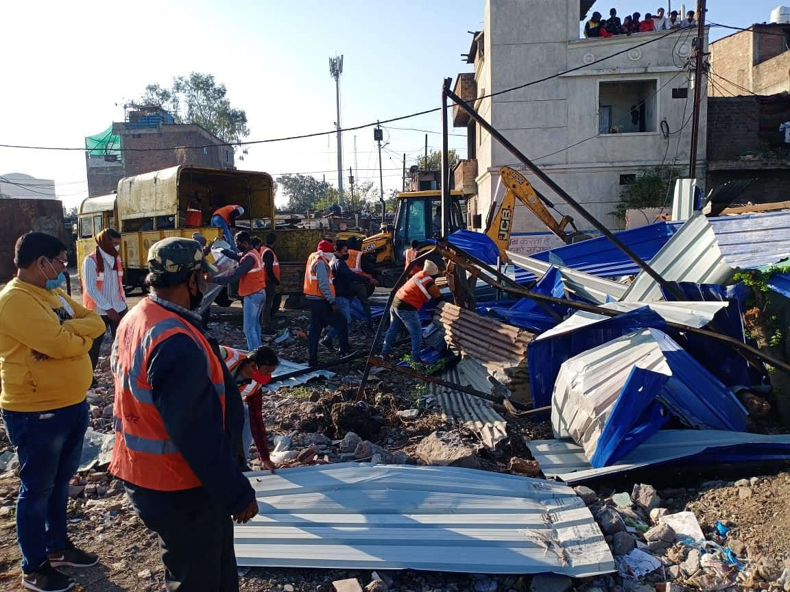 Encroachment being removed from Khajrana pond land