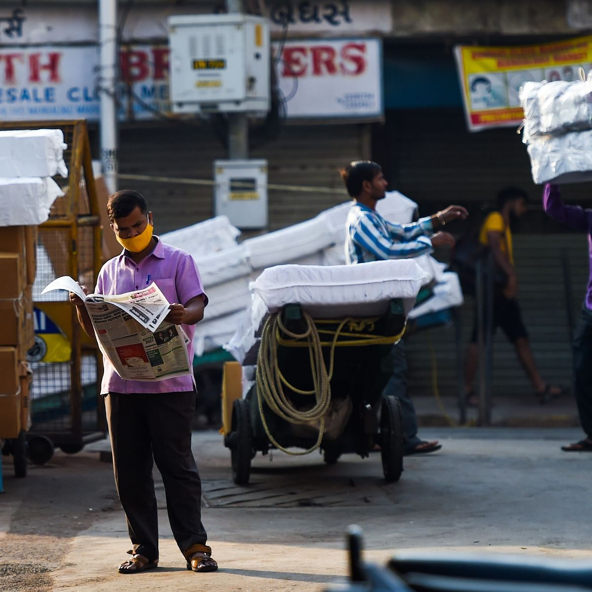 Traders displeased by extension of COVID-19 curbs; urge Maharashtra govt to take 'sympathetic' look at their hardships