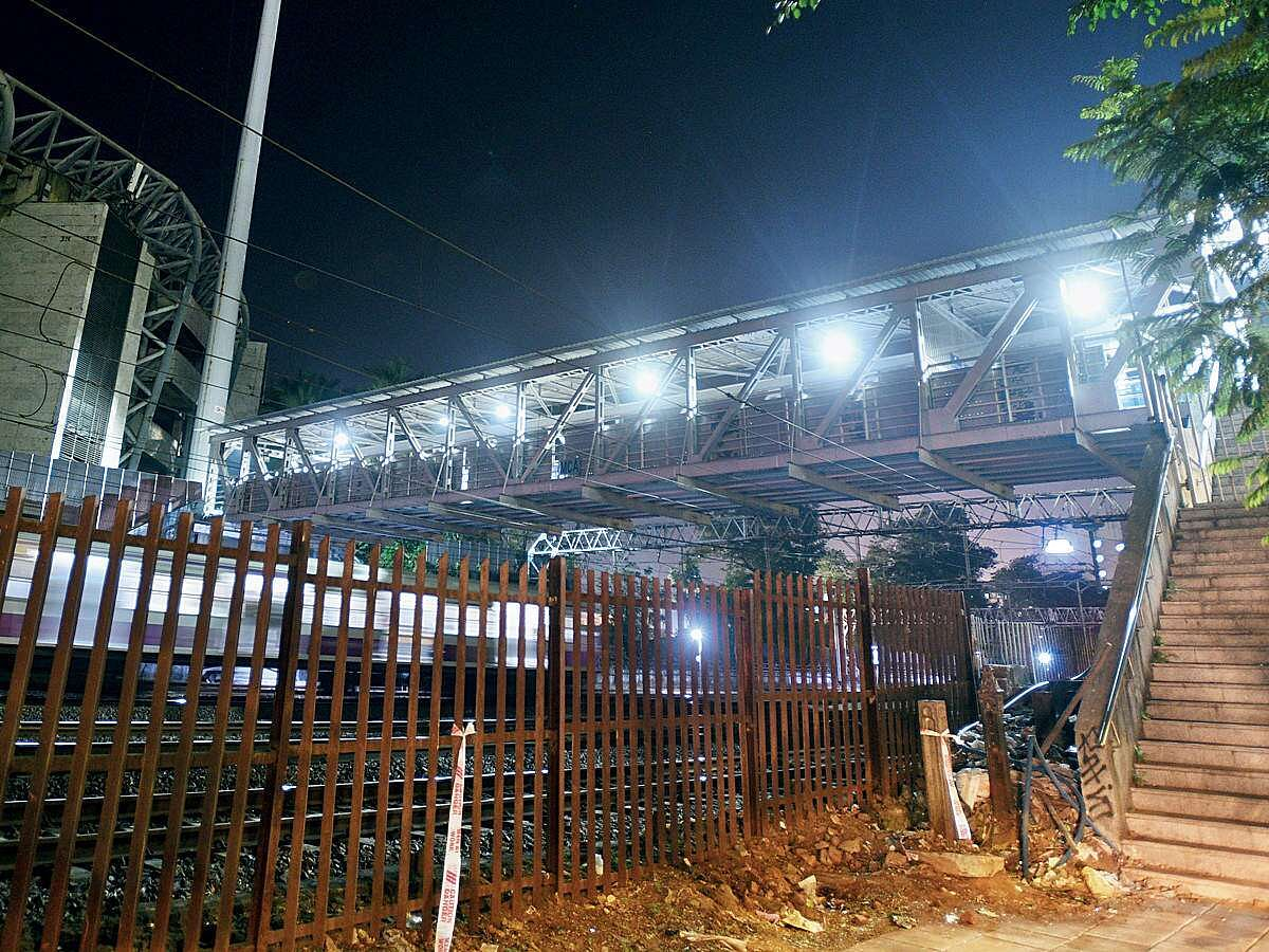 Dangerous FOBs connecting Churchgate Stn to Wankhede yet to be dismantled