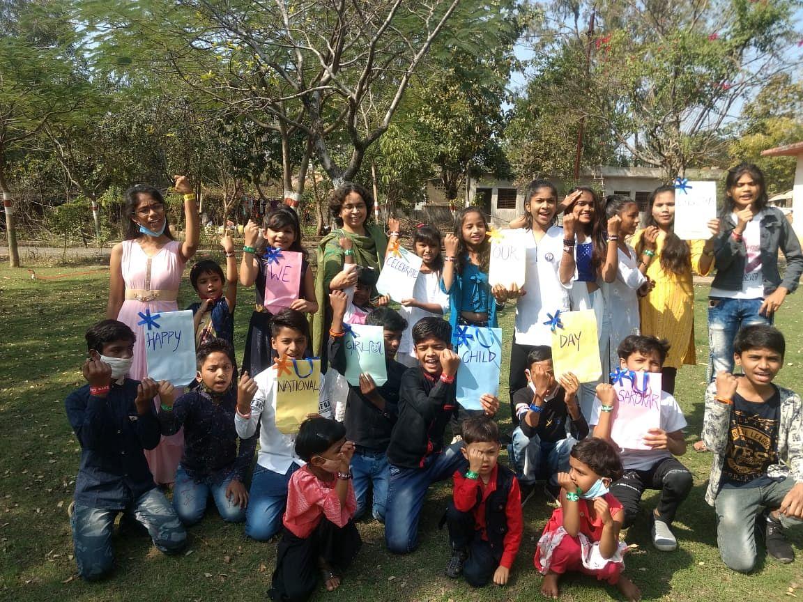 Bhopal: Sarokar Sanstha organises event at Shyama Prasad Mukherjee Park to mark National Girl Child Day