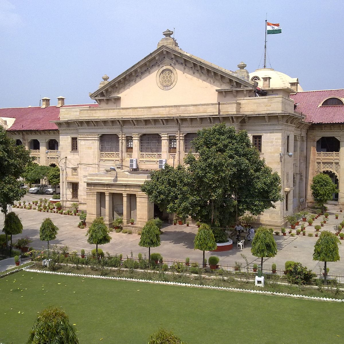 Allahabad HC asks UP DGP to remove banners naming criminals