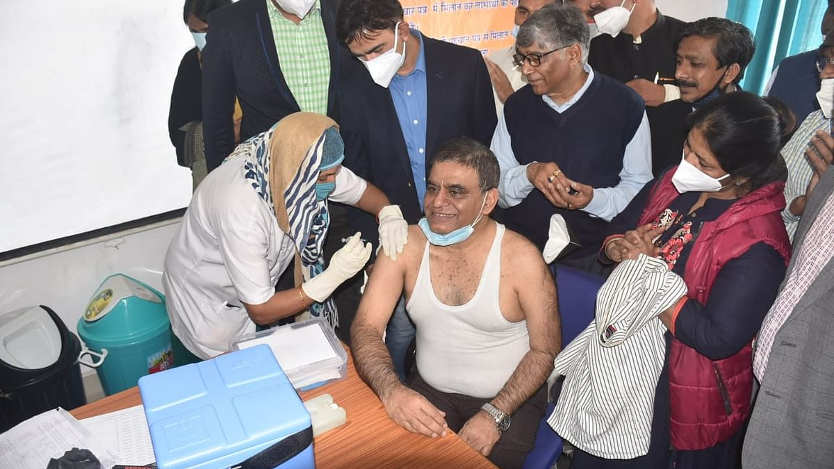 Ujjain: Centre must reconsider vaccine strategy