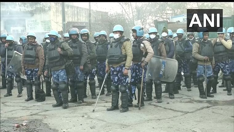 Farmers' Protest: Heavy security deployed at Singhu, Tikri borders as protest enters Day 66