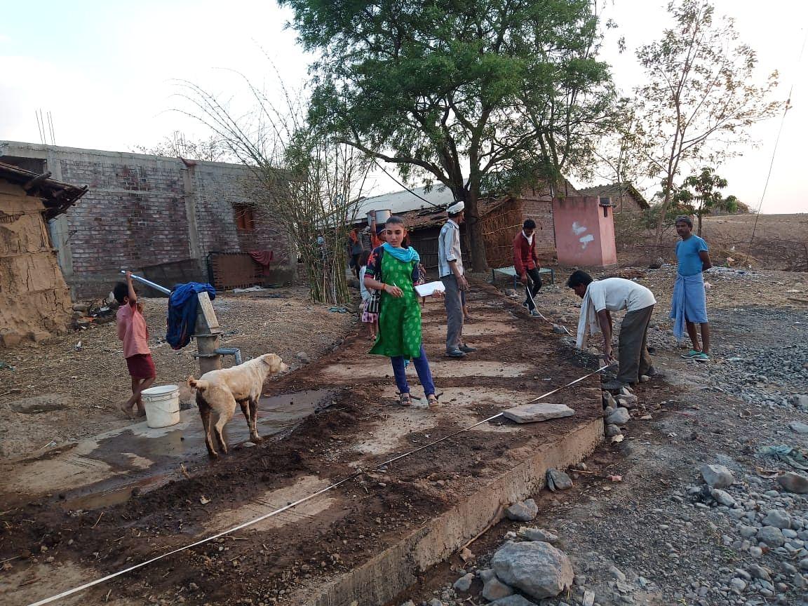 Rampyari Bai's second daughter Sheela Solanki at work in Sendhwa