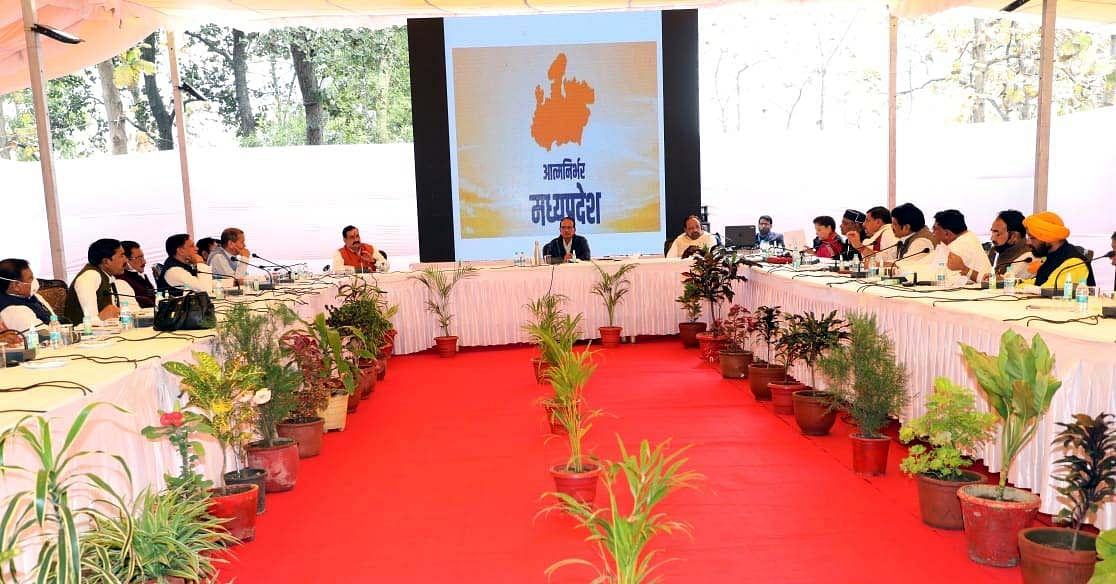 Chief Minister Shivraj Singh Chauhan briefs ministers on the state's development roadmap at the Kolar guest-house on Tuesday.