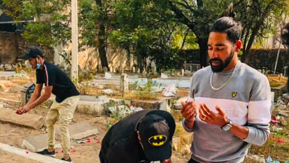 Mohammed Siraj visits his father's grave on arrival