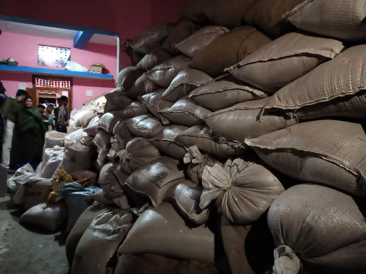 Madhya Pradesh: Fair price shop sealed in Barwani, FIR against three