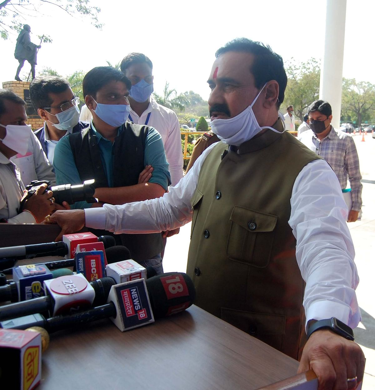 Madhya Pradesh: Home Minister Narottam Mishra, MLA Lakhan Singh Yadav level allegations against each other over mining in Bhitarwar area of Gwalior