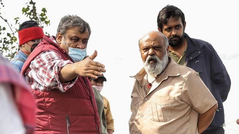 Saurabh Shukla with director Kaushik Ganguly (left)