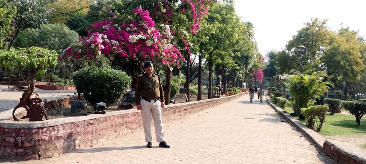 Bhopal: Saffron brigade warnings keep cops on their toes Valentine's Day