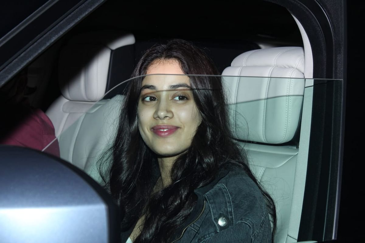 Janhvi and Khushi Kapoor leave town ahead of mom Sridevi's death anniversary