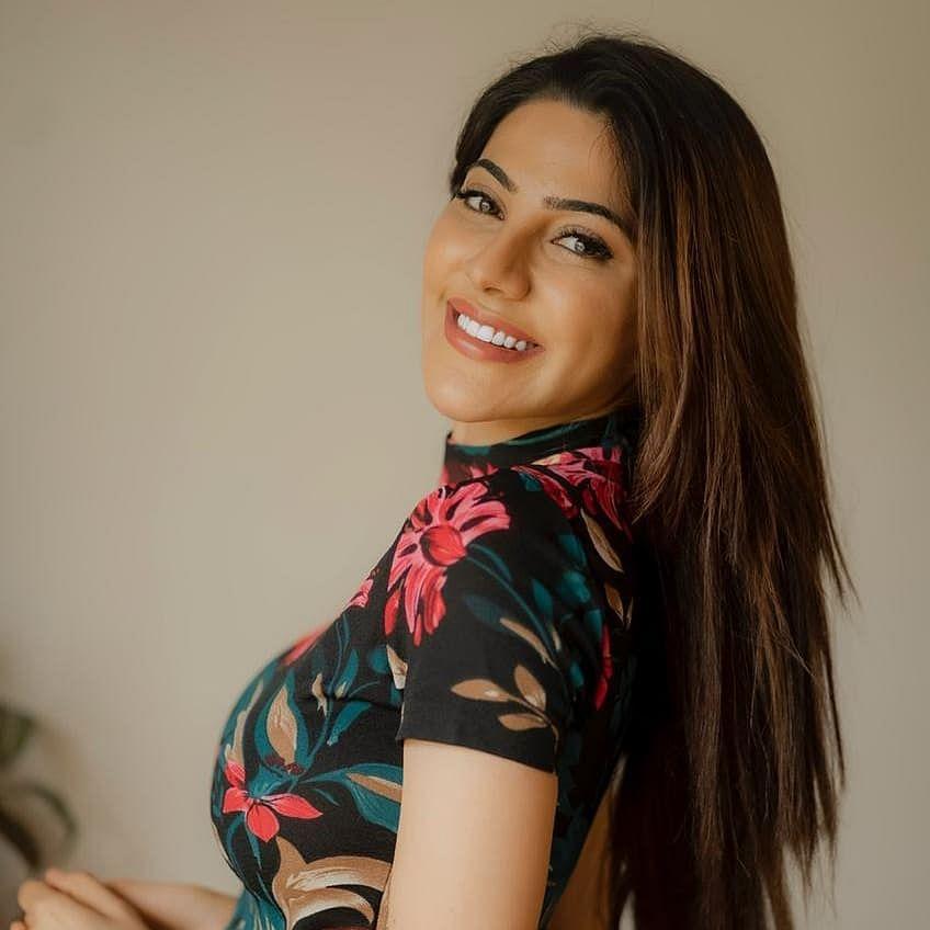 Bigg Boss 14: Has Nikki Tamboli taken Rs 6 lakh and quit Salman Khan's reality show?