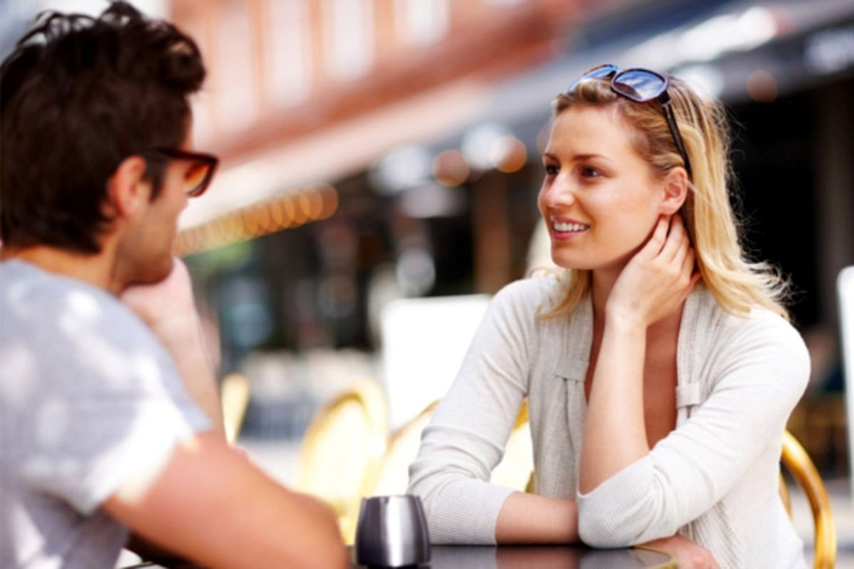 First impression indeed matters on a first date