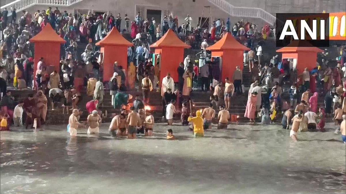 Uttar Pradesh: Devotees take holy dip in Sangam at Prayagraj on Mauni Amavasya; see pics