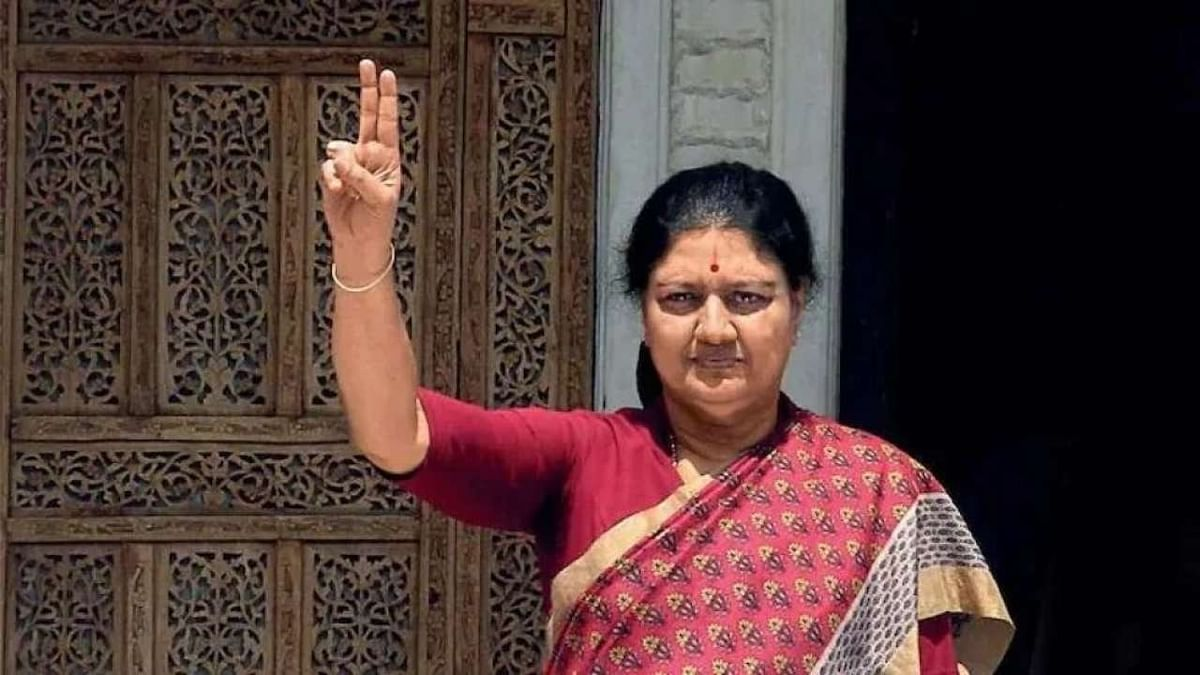 Tamil Nadu: AIADMK faces dilemma as BJP insists on taking Sasikala on board