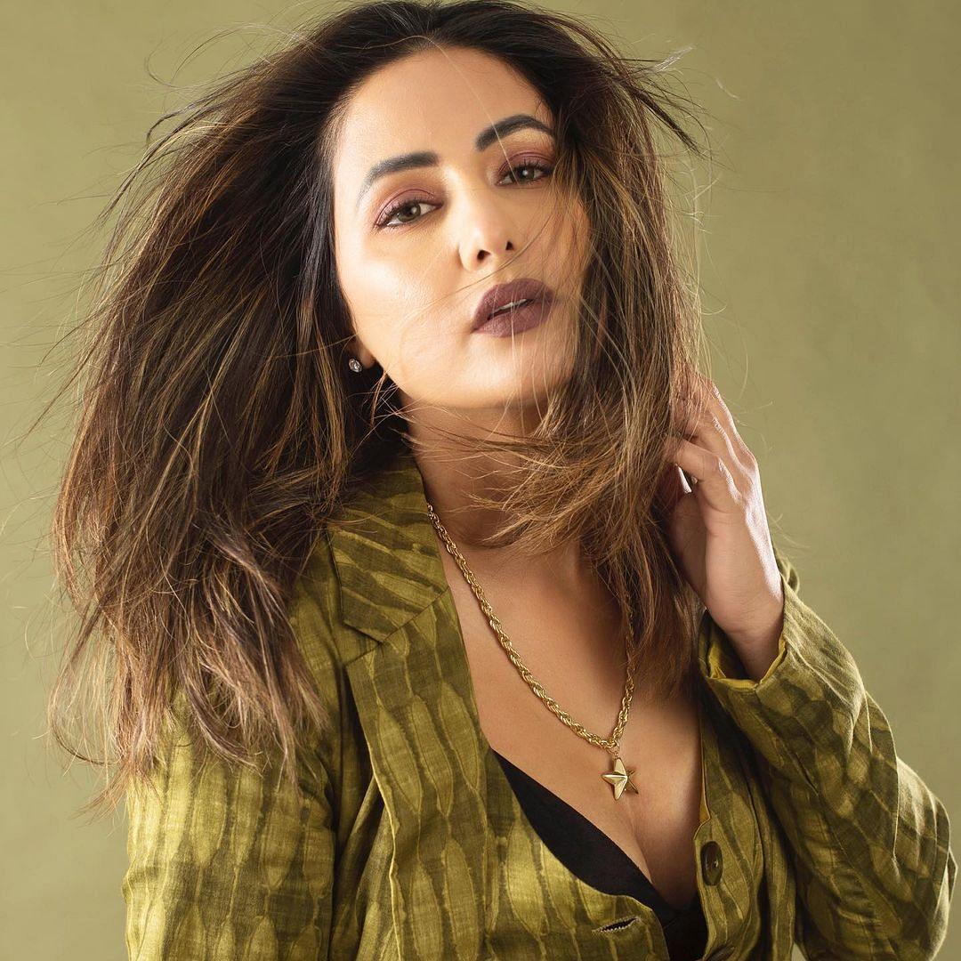 Hina Khan takes up TikTok's viral Silhouette Challenge, sets internet ablaze