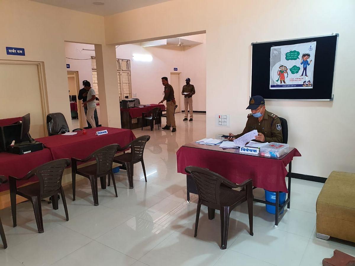 Badnawar police station all anew