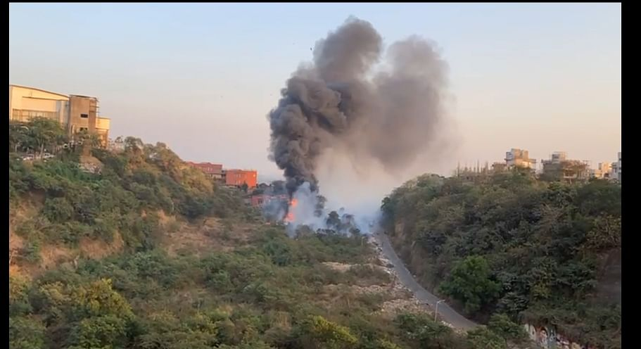 Mumbai: Fire breaks out at thicket in Aarey Colony
