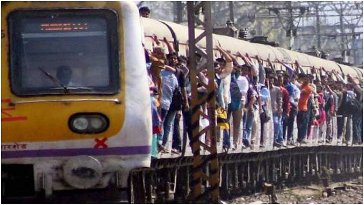Mumbai: Signal failure at Masjid leads to overcrowding on Harbour Line