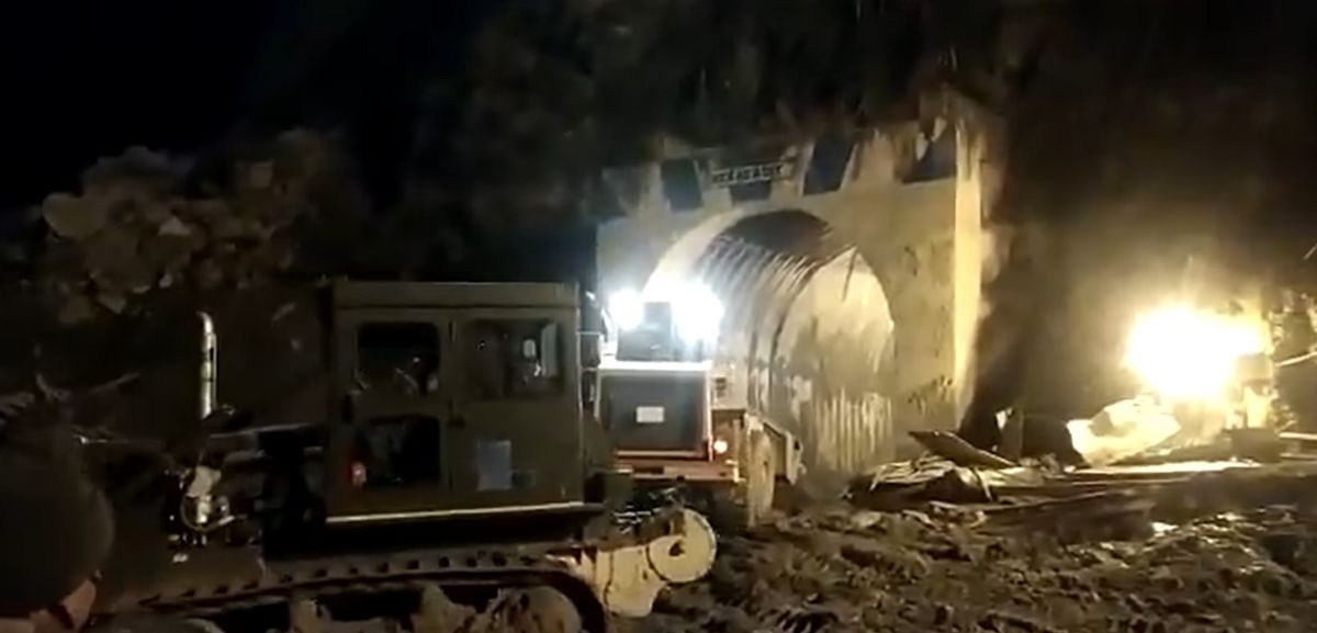 Uttarakhand disaster: Race against time to reach around 30 people stuck inside Tapovan tunnel - Watch video