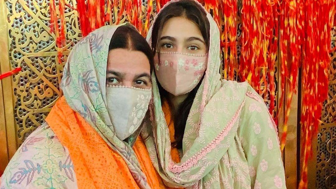 Sara Ali Khan pays visit to Ajmer Sharif Dargah with mother Amrita Singh; see pics