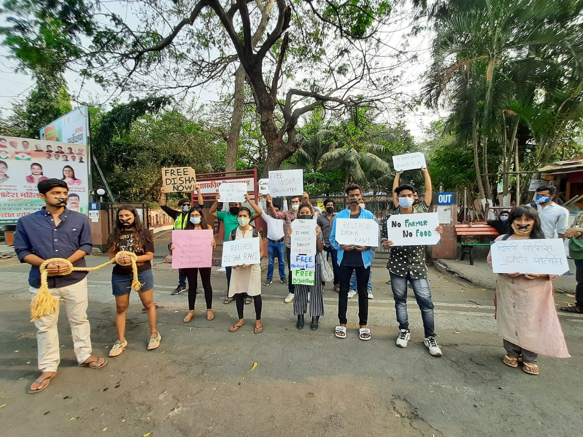 Mumbai: Youths in Thane hold protest in support of climate activists