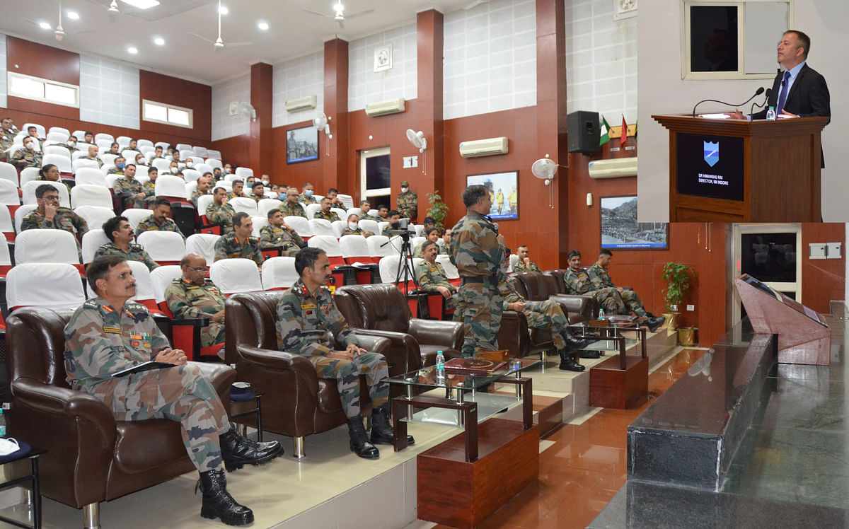 Indore: IIM-I director addresses future military leaders