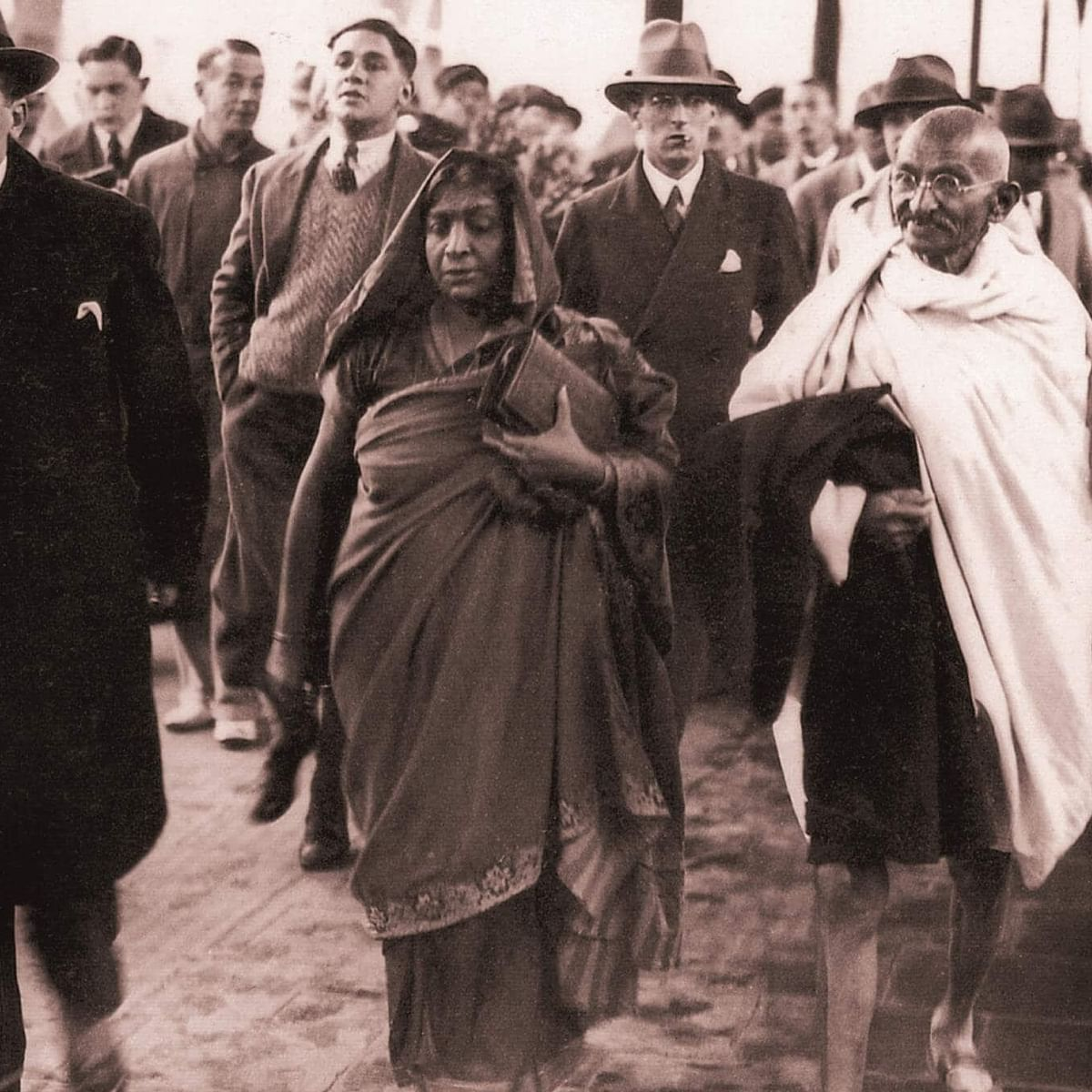 Sarojini Naidu Birth Anniversary: Lesser-known facts about the 'Nightingale of India'