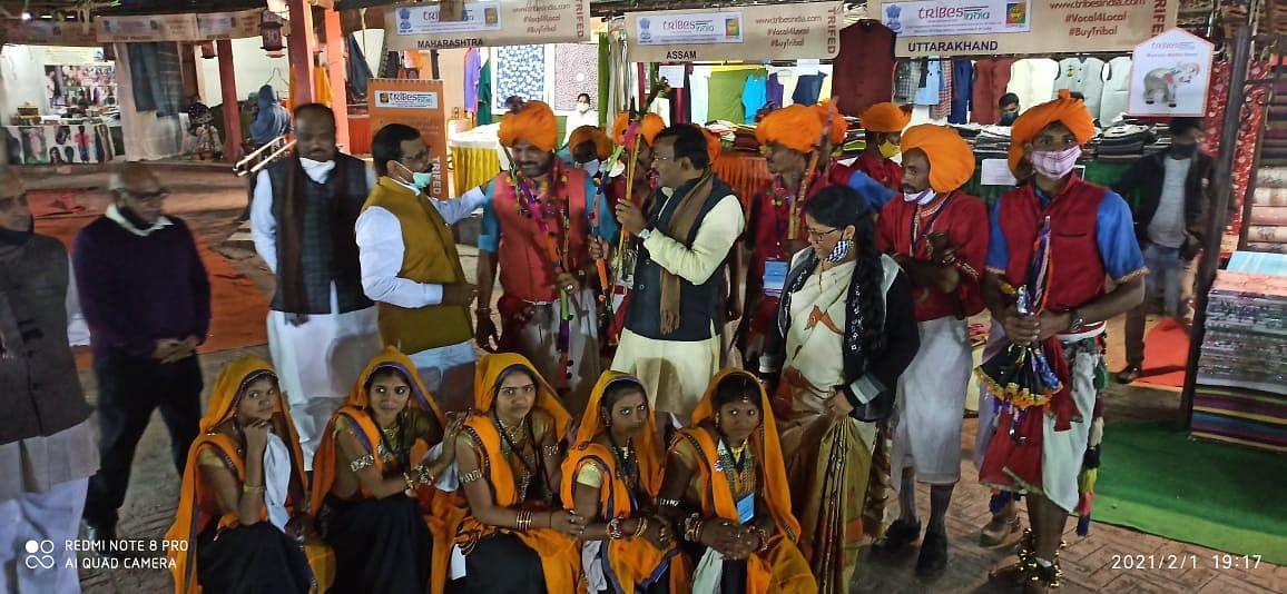 Madhya Pradesh: Artists from Dhar represent the state in Aadi Mahotsav