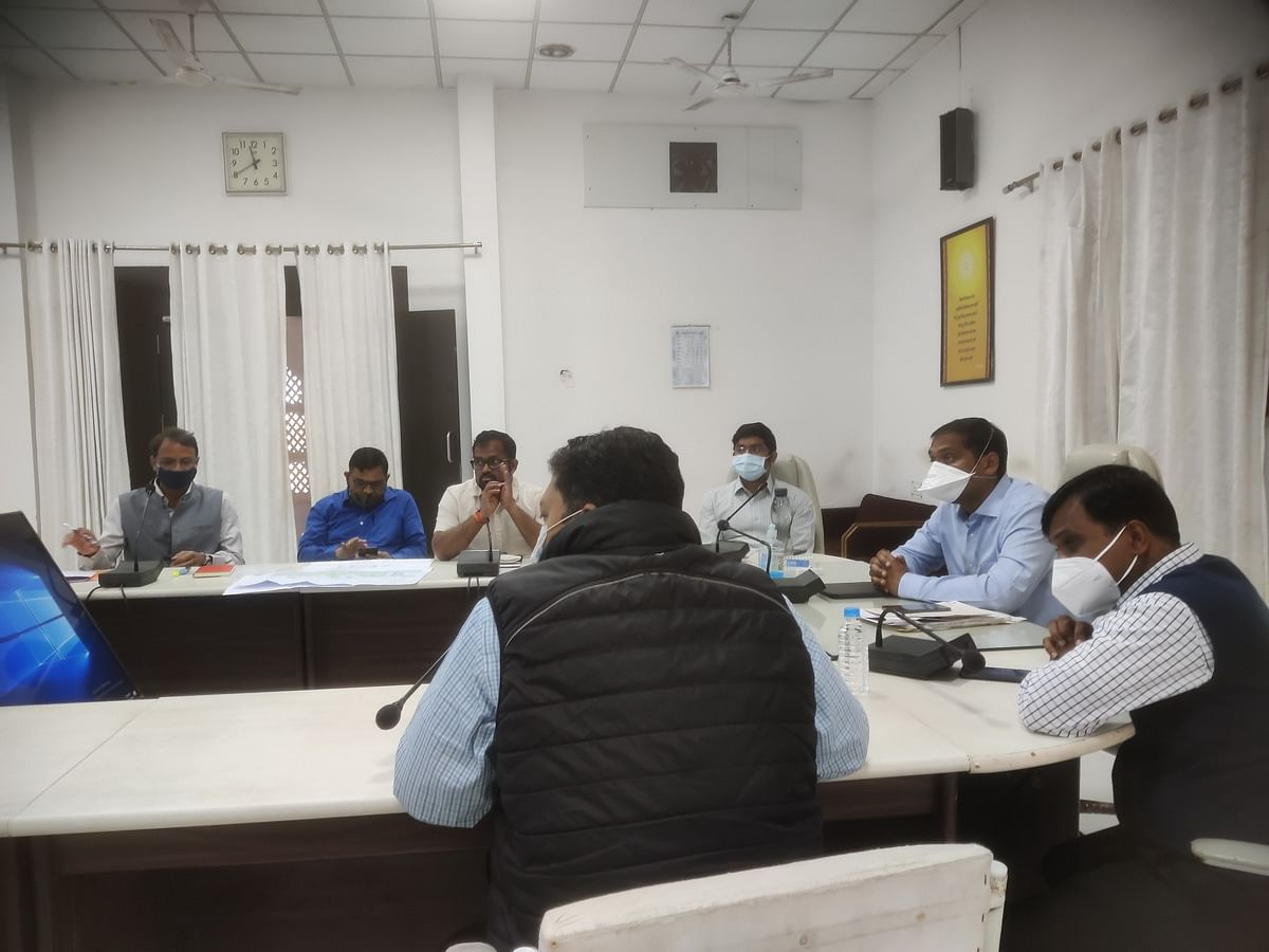 Ujjain: Collector to officials to set timeline for works at Mahakal Temple