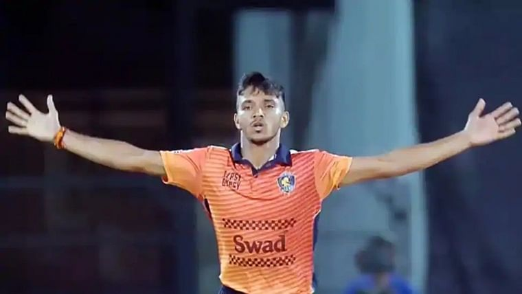 IPL 2021 Auction: Mourning loss of brother, Chetan Sakariya's muted celebration on Rs 1.2 crore price tag
