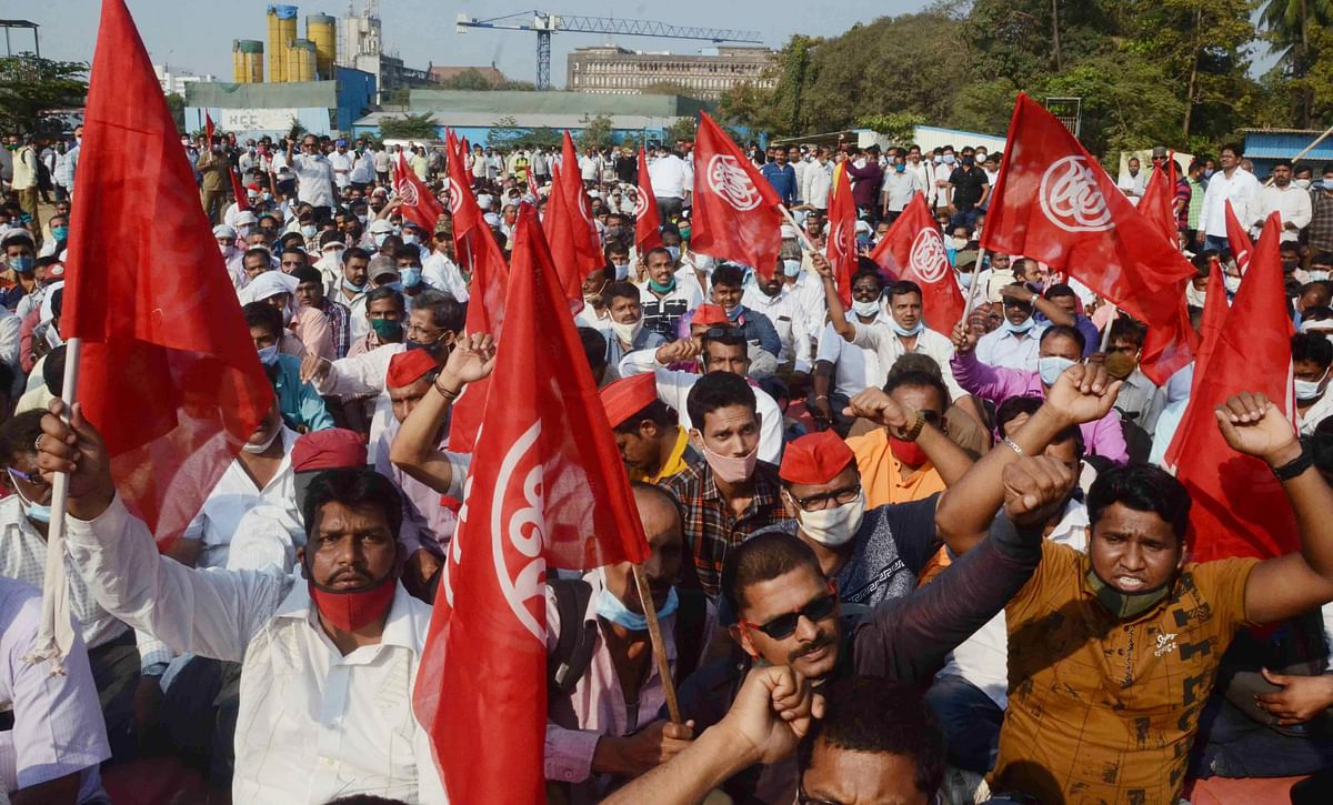 Mumbai: BEST workers protest demanding merger of budget with BMC
