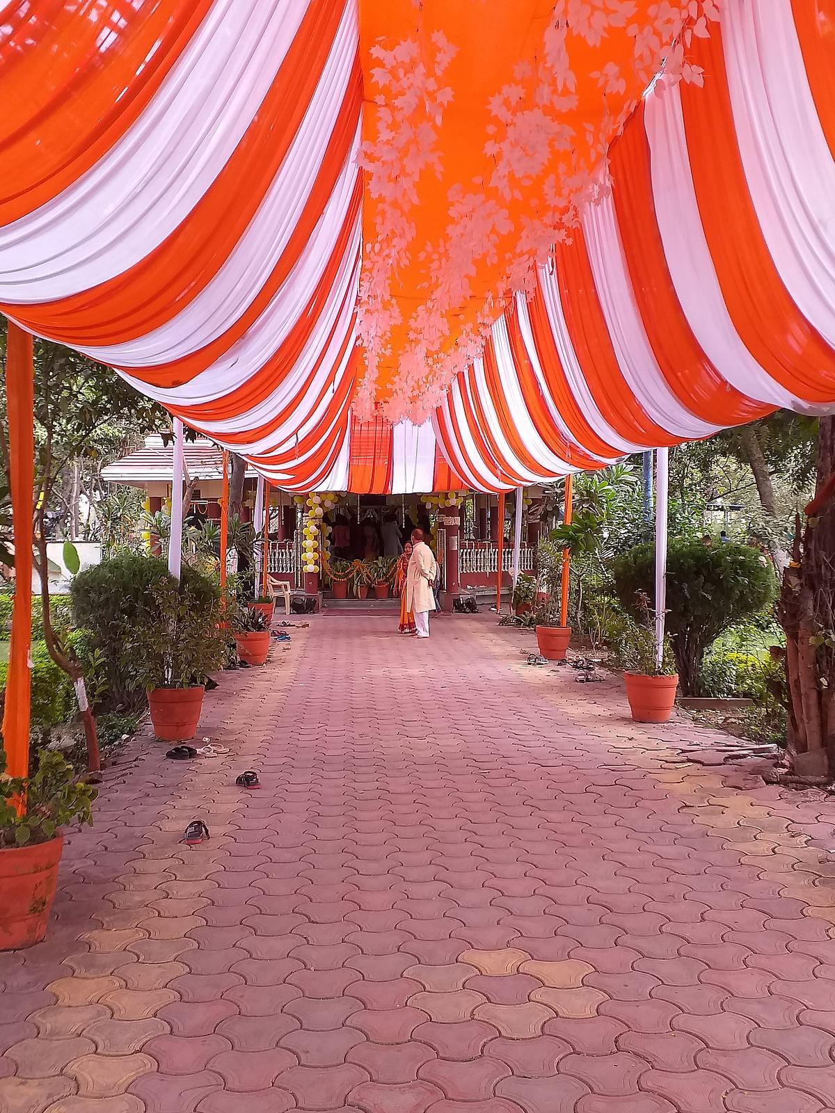 Indore: Spring brings hope on Basant Panchami to say goodbye to Corona