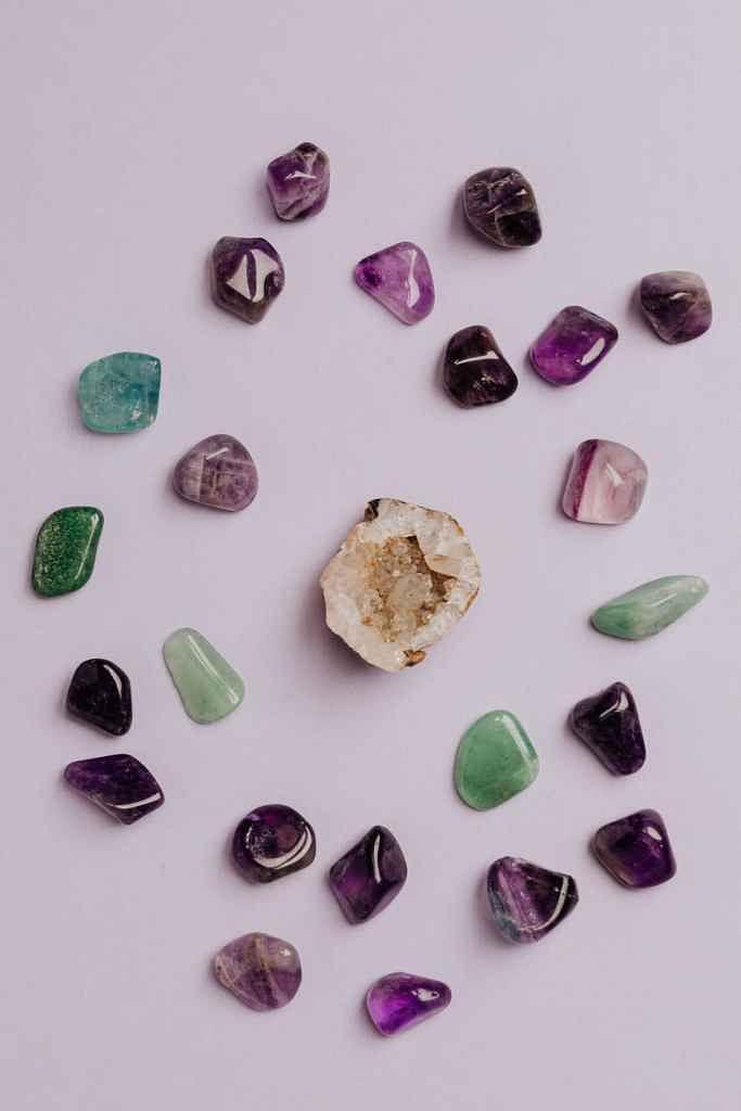 Gems, jewellery exports dip 7.8% to USD 2.7 billion in Jan: GJEPC