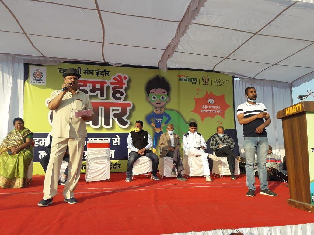 Former MLA Sudarshan Gupta kick-started campaign for segregation of waste in six types in Panchsheel Nagar on Sunday