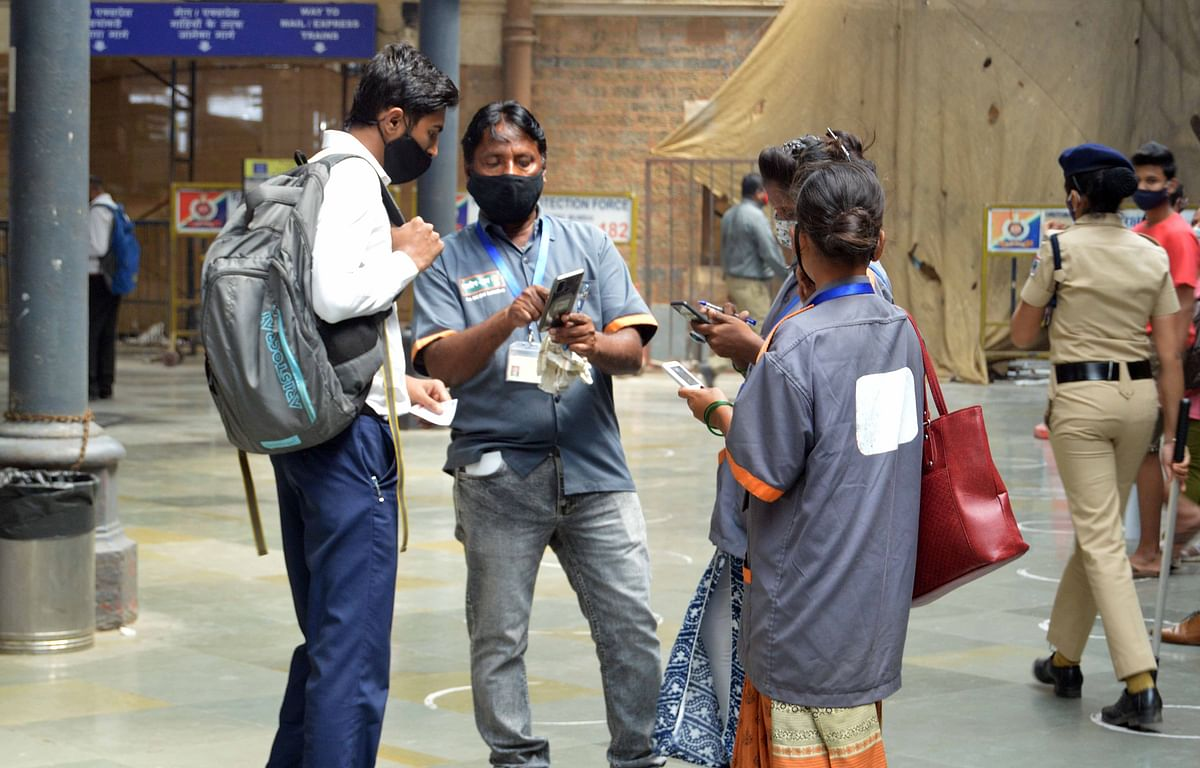 Bad to worse: Maharashtra reports 25,833 new COVID-19 cases, highest single-day number since the outbreak in March last year