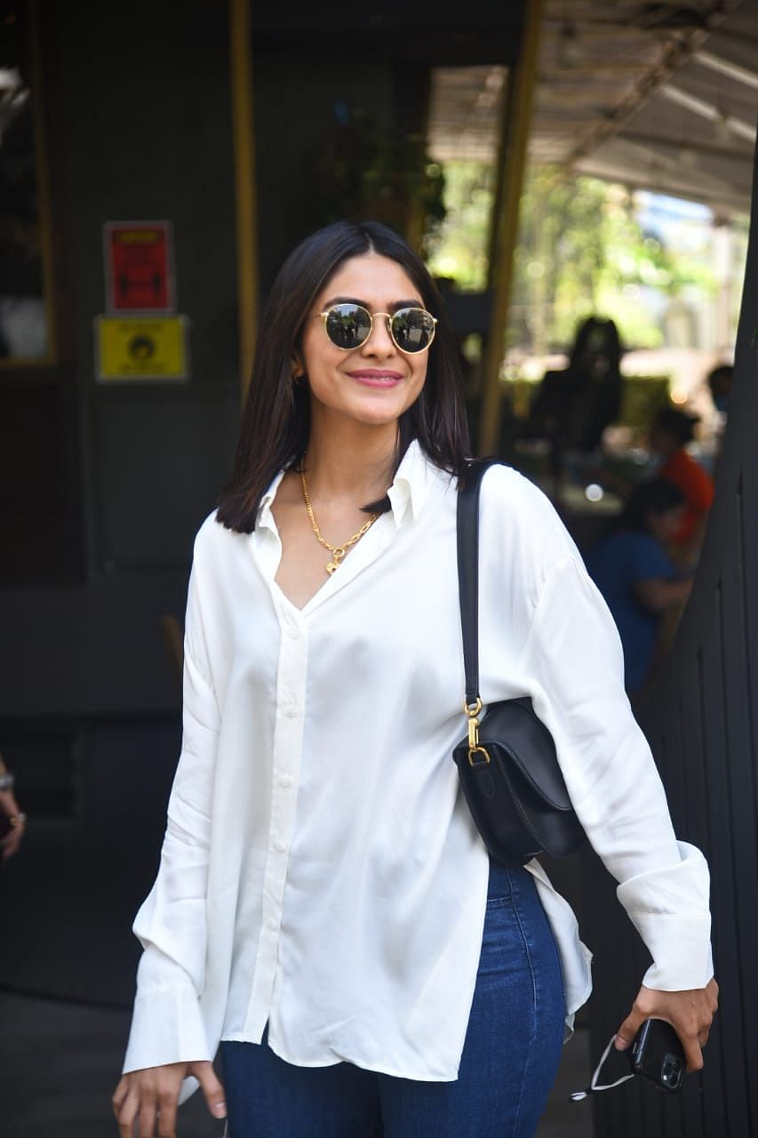 In Pics: Shilpa Shetty steps out with family; Malaika Arora and Arjun Kapoor arrive at Kareena's Bandra residence