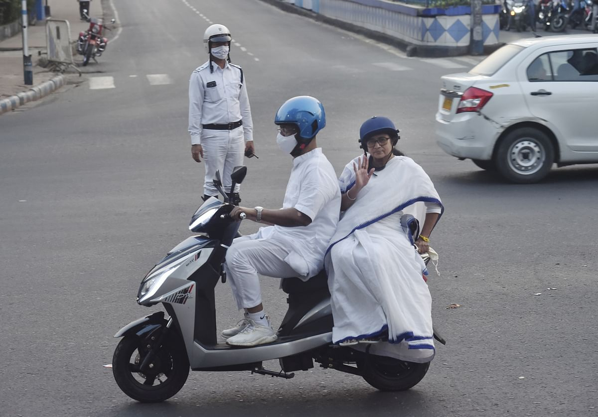 West Bengal: Mamata Banerjee drives e-scooter to protest against fuel price hike